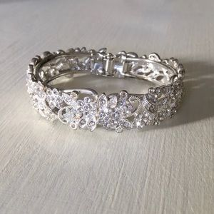 Jewelry - Floral Crystals Silver Hinge Cuff Bangle Bracelet
